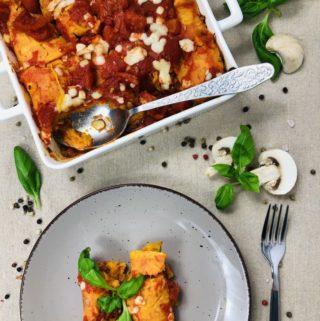 Zapiekanka z batatów i mięsa z indyka