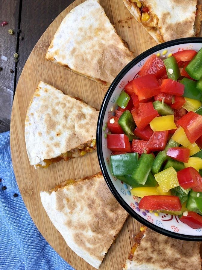 Quesadilla z kurczakiem i warzywami
