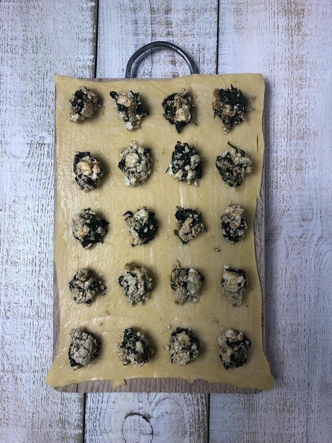Ravioli ze szpinakiem i ricottą